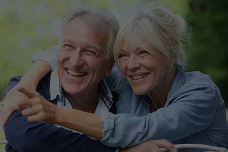 coppia di signori anziani