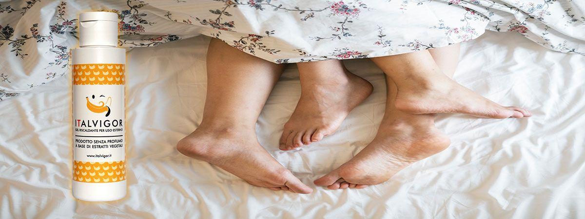 piedi di una coppia a letto dopo l'utilizzo di italvigor gel